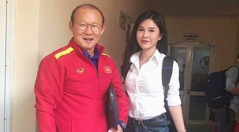 Diễn viên 'Người phán xử' lên báo Hàn vì chụp ảnh cùng HLV Park
