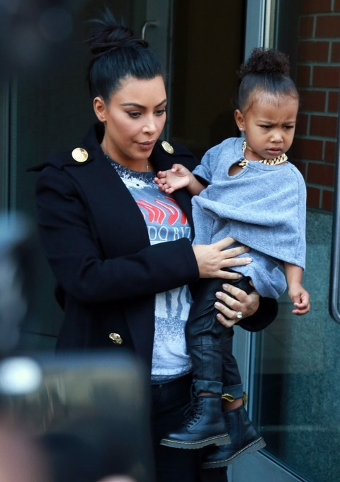 Con gai 5 tuoi cua Kim Kardashian va Kanye to son do, ngay cang xinh hinh anh 4