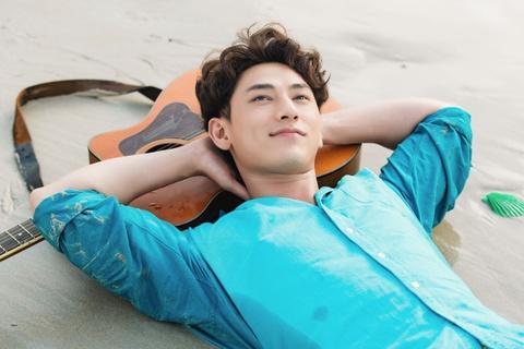 Isaac: 'Toi khong co hit van thanh cong, lot top hang dau' hinh anh 5
