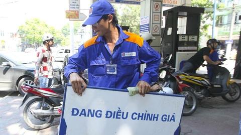 Hom nay cong bo phuong an dieu chinh gia xang dau hinh anh