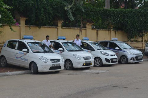 Vi sao cuoc taxi Viet Nam cao ngat nguong? hinh anh