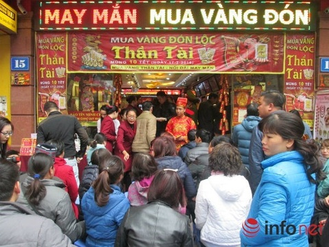 Chen bep ruot mua vang: Tam ly bay dan sap bay thoi gia? hinh anh