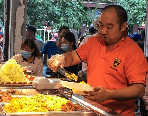 Mon ngon ruc ro hut khach tai hoi cho Thai Lan hinh anh 13