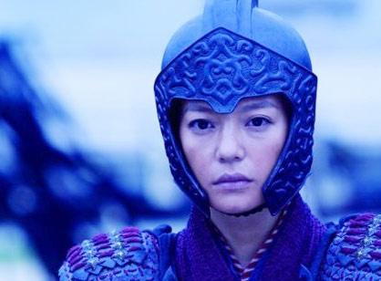 8 sao nu cai nam trang kinh dien trong phim Hoa ngu hinh anh