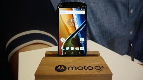 Motorola tung chien dich che gieu Samsung lan Apple hinh anh