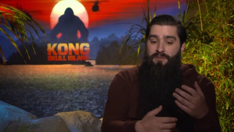 9 tiet lo hai huoc ve dao dien 'Kong: Skull Island' hinh anh 2