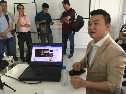 Ong Diep Khac Cuong: 'Dam Vinh Hung va toi chua tung hop tac iFan' hinh anh