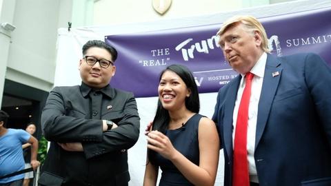 Kim - Trump 'gia' nao loan khu mua sam o Singapore hinh anh