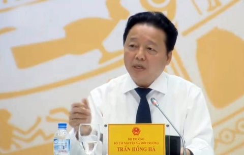 Bo truong Tran Hong Ha noi ve viec Cuc pho mat 385 trieu dong hinh anh