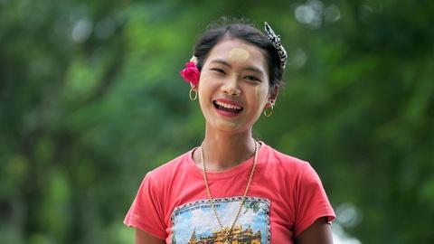 Trai nghiem 'my pham quoc dan' cua nguoi Myanmar hinh anh