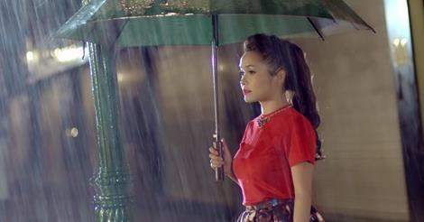MV Anh den tu giac mo - Doan Thuy Trang hinh anh