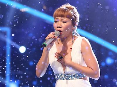 Diva Ha Tran nham ten ca khuc moi tren song truc tiep hinh anh