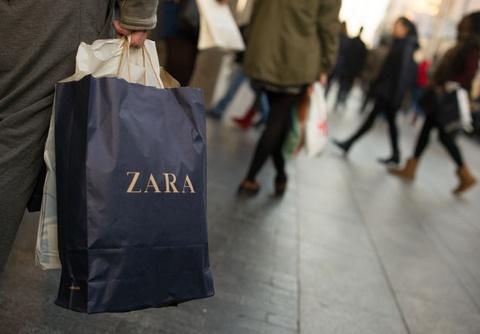 Zara bi nguoi tieu dung tay chay vi ky thi gioi tinh hinh anh