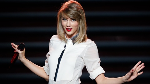 Taylor Swift dan dau danh sach de cu Video Music Awards 2015 hinh anh