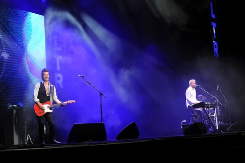 'Take Me To Your Heart' - Michael Learns To Rock in Hanoi hinh anh