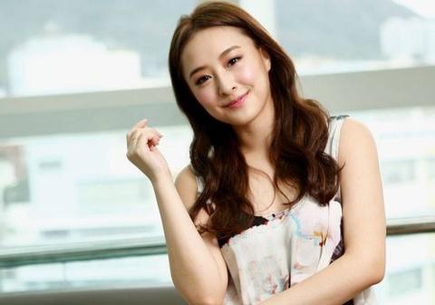 Kieu nu TVB bi nga gia 2 trieu HKD hinh anh
