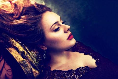 Giong hat van nguoi me Adele: Thanh cong khong can khoe than hinh anh