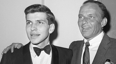 Nghe si Frank Sinatra Jr dot tu o tuoi 72 hinh anh