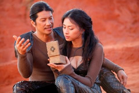 Nhung tranh cai quanh chuyen vay ao trong phim co trang Viet hinh anh 2