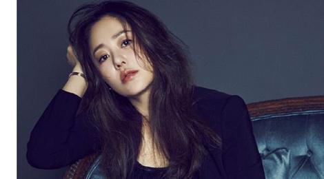 go hyun jung tren tap chi cosmopolitan thang 5 hinh anh