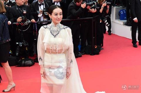 Sao nu Hoa ngu bi 'duoi kheo' ngay truoc ong kinh tai Cannes hinh anh 11