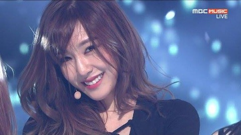 'I Just Wanna Dance' cua Tiffany tai show Champion hinh anh