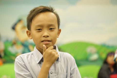 Ho Van Cuong – tu cau be hat dam cuoi den thien su cam xuc hinh anh