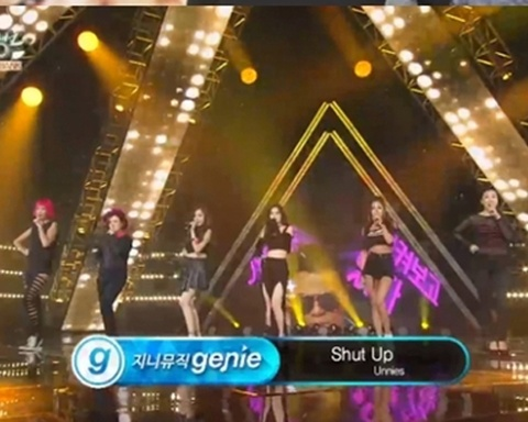 Shut Up - Unnies (Music Bank) hinh anh