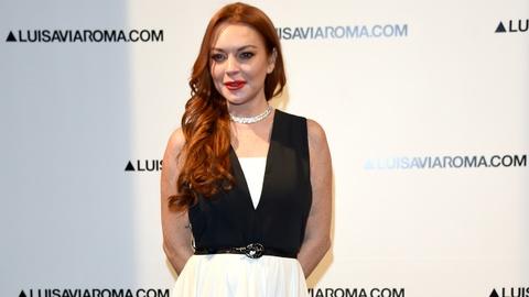Lindsay Lohan tai xuat sau scandal bi ban trai bao hanh hinh anh