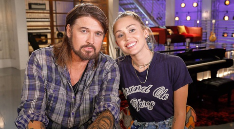 Miley Cyrus tro lai ghe nong The Voice My mua 13 ben canh bo hinh anh