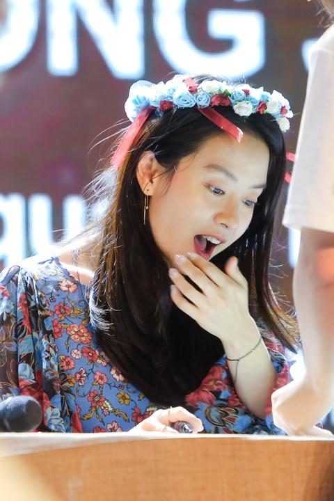 Khoanh khac than thien cua Song Ji Hyo voi fan Viet hinh anh 9