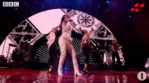 Camila Cabello bieu dien Havana hinh anh