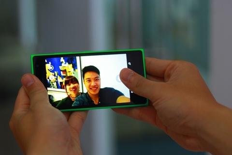 Ba yeu to giup Lumia 730 duoc tin do selfie yeu thich hinh anh