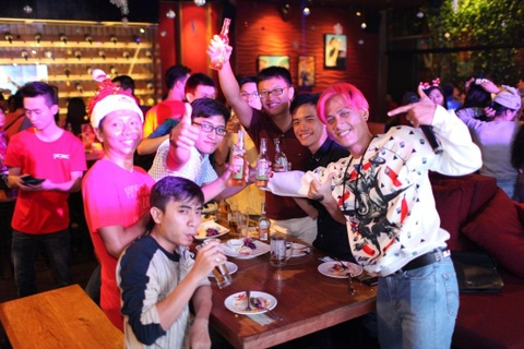 Gioi tre Sai thanh chay het minh cung Wild Christmas Party hinh anh