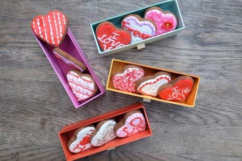 Bo suu tap qua tang Fly cupcake Valentine hinh anh