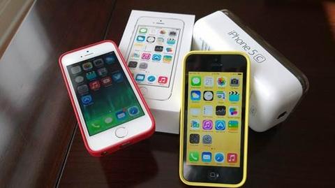 iPhone 5C gia 1,9 trieu dong hut khach hinh anh