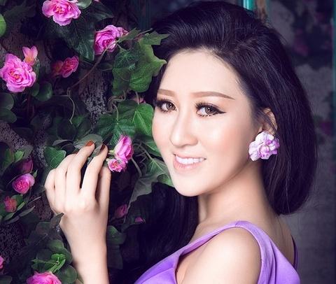 Huynh Thuy Anh: 'Toi thay doi sau khi dang quang hoa hau' hinh anh