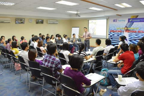 Public speaking: Ky nang can thiet cho du hoc sinh hinh anh