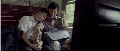 Clip Thu Vi: Trao Gui Yeu Thuong - Clip Xuc Dong Ve Tinh Cam Cha Con hinh anh