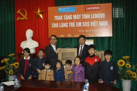 Lenovo Viet Nam tiep tuc ho tro lang tre em SOS hinh anh