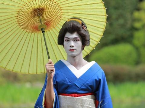 big daddy hoa trang geisha hinh anh