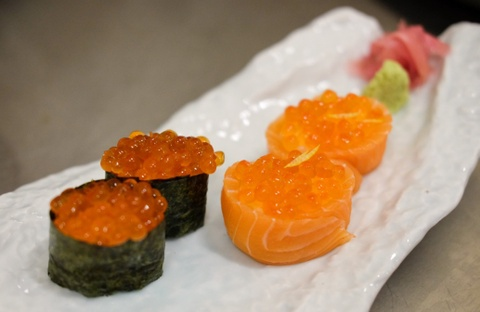 Nem thu sashimi danh bat tu quan dao Hokkaido, Nhat Ban hinh anh