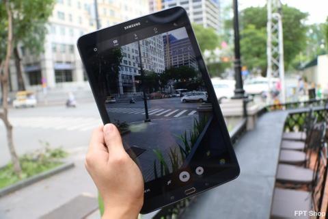 Mua Galaxy Tab A 10,1 inch mau xanh, nhan qua cua FPT Shop hinh anh