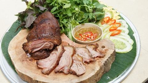 Thuong thuc ga nuong sau rieng chuan vi Nam Bo tai Ha Noi hinh anh 8