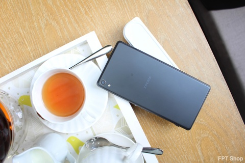 Loat smartphone Sony giam gia manh lan cuoi tai FPT Shop hinh anh