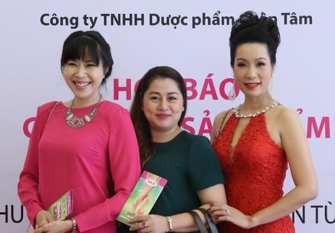 Trinh Kim Chi, Quynh Hoa rang ro tai su kien ra mat my pham hinh anh
