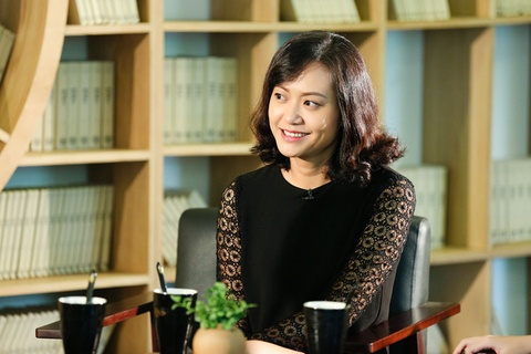 Hong Anh: 'Thieu gia dinh, khong biet cuoc doi con gi vui' hinh anh