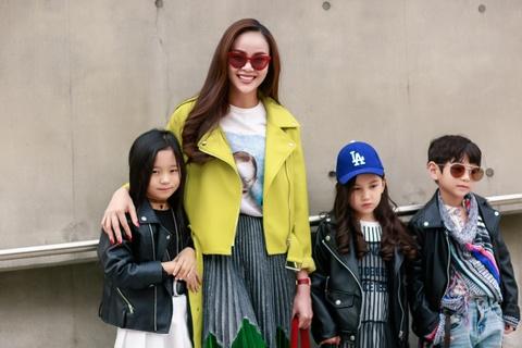 Sella Truong phoi do mau sac, noi bat tai Seoul Fashion Week hinh anh 3