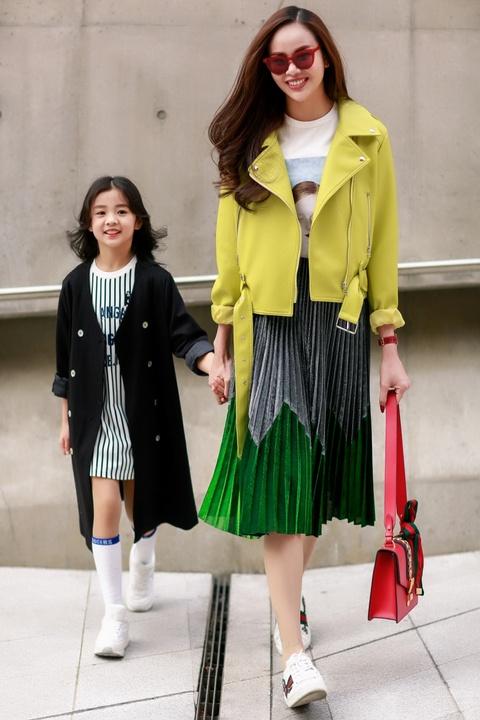 Sella Truong phoi do mau sac, noi bat tai Seoul Fashion Week hinh anh 4