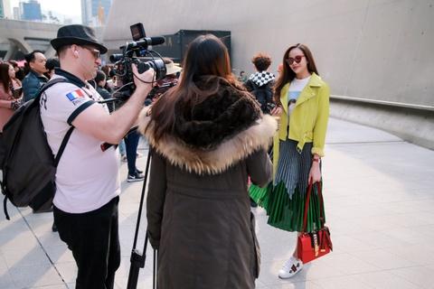 Sella Truong phoi do mau sac, noi bat tai Seoul Fashion Week hinh anh 7